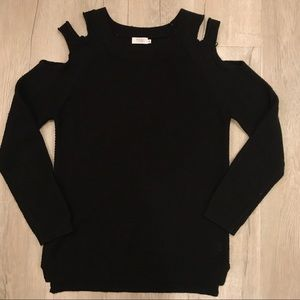 TOBI CUT OUT SHOULDER SWEATER SIZE SMALL